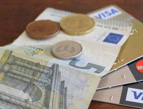Bargeld vs. Kreditkarte – Hat Bargeld überhaupt eine Zukunft?