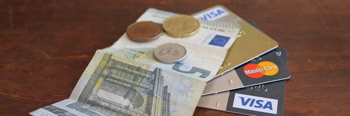 Bargeld vs. Kreditkarte